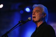 "David Byrne Announces Tour With ""Most Ambitious"" Show Since <i>Stop Making Sense</i>"