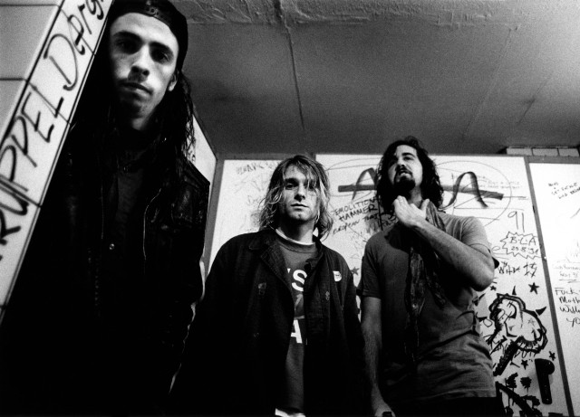 Photo of Krist NOVOSELIC and Kurt COBAIN and Dave GROHL and NIRVANA