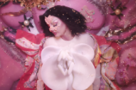 "Video: Björk – ""Utopia"""