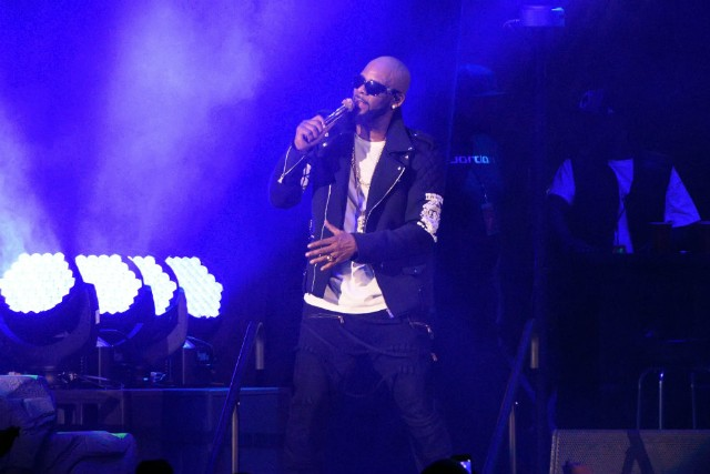Thieves Rob R. Kelly's Atlanta-Area Home Dry