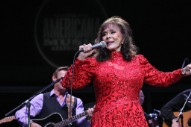 Loretta Lynn Recovering After Breaking Hip