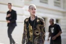 Balmain : Outside Arrivals - Paris Fashion Week - Menswear Spring/Summer 2018