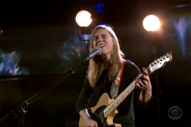 julien-baker-late-show-1515076754