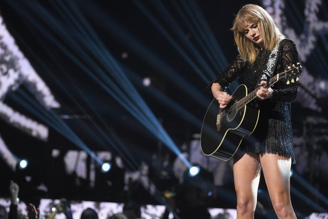Former Denver DJ who groped Taylor Swift lands new radio job