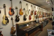 Les Paul Guitar Auction