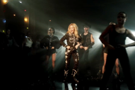 "Video: Kylie Minogue – ""Dancing"""