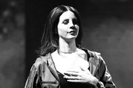 """Emotional Lana Del Rey Admits Kidnapping Threat Left Her """"A Little Bit Nervous"""""""