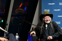 Willie Nelson Cancels Tour Dates Because of Flu