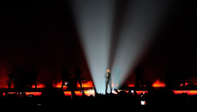 Sade And John Legend Perform At The MGM Grand Garden Arena