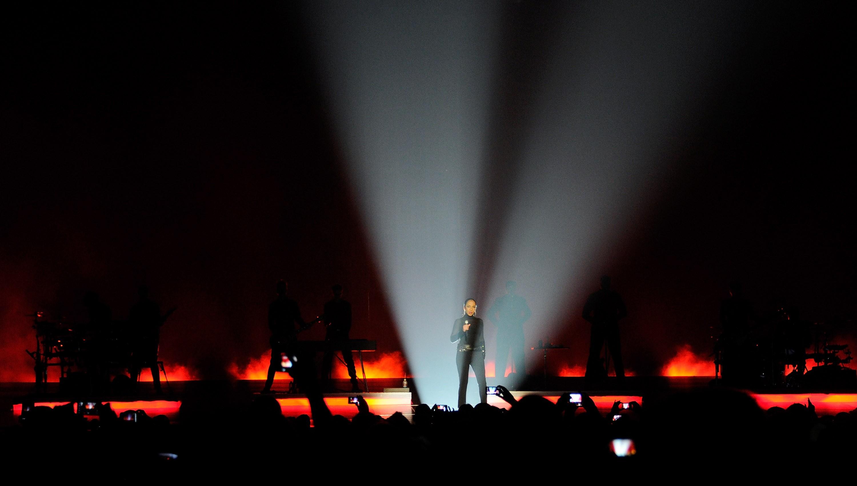 Sade And John Legend Perform At The MGM Grand Garden Arena