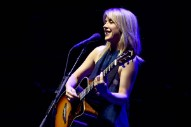 Liz Phair Announces 25th Anniversary <i>Girly-Sound to Guyville</i> Box Set
