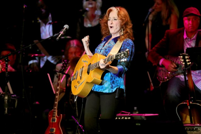 Bonnie Raitt canles tour with James Taylor due to health issues