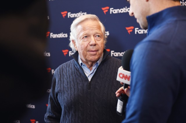 Robert Kraft makes pitch for Meek Mill
