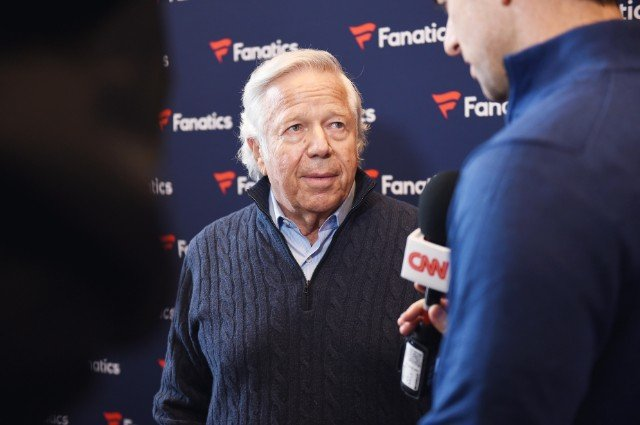 Robert Kraft: Rob Gronkowski's Status Not 'An Issue'
