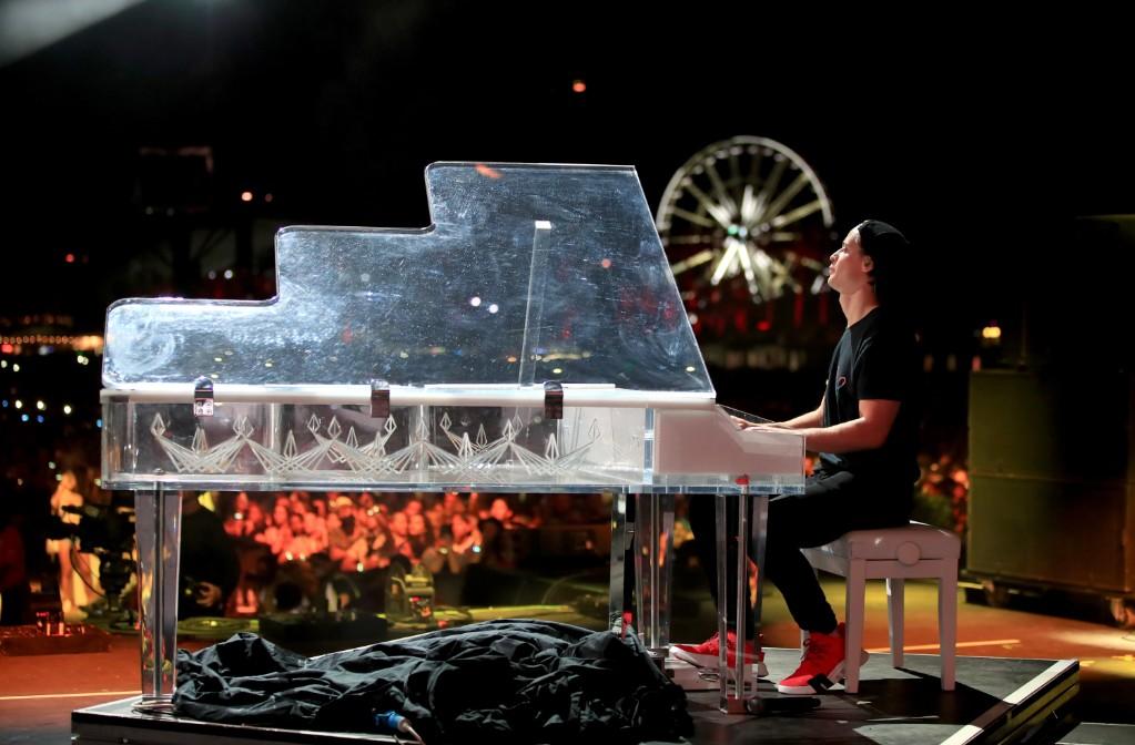 Kygo Pays Tribute to Avicii in Heartfelt Coachella Performance: Watch