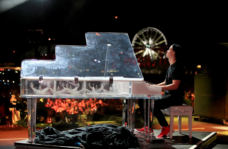 Kygo Pays Tribute to Avicii in Heartfelt Coachella Tribute