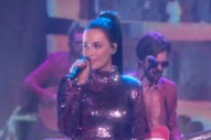 "Watch Kacey Musgraves Sing Her Sassy Disco Number ""High Horse"" On <i>Ellen</i>"