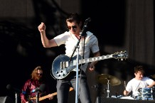 Arctic Monkeys debut four new songs