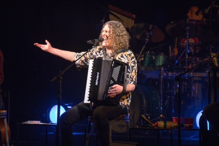 weird-al-yankovic-foo-fighters-this-is-a-call-cover-watch