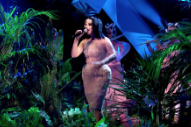 Watch Björk&#8217;s First TV Performance in 8 Years on <i>Later&#8230;With Jools Holland</i>