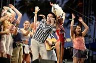 "Belle and Sebastian Announce ""Boaty Weekender"" Festival Cruise"
