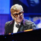 elton-john-royal-wedding-1526566522-160x