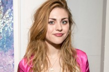 frances-bean-cobain-original-music-song-video-1525442627