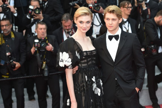 joe alwyn elizabeth debicki red carpet