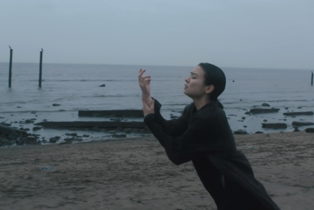 mitski-new-album-be-the-cowboy-geyser-video-1526319938