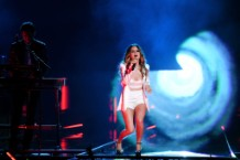 zedd maren morris the middle billboard music awards bbmas 2018