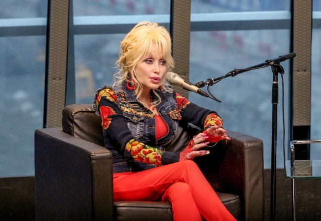Dolly Parton Is Getting Her Own Netflix Show | SPIN