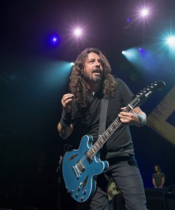 Watch Foo Fighters Play
