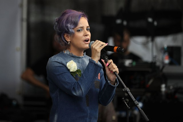 Lily Allen Releases New Song, Announces North American Tour