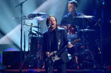 Pearl Jam Slams Trump's Inhumane Border Policy
