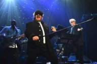 """Watch Toto Cover Weezer's """"Hash Pipe"""""""