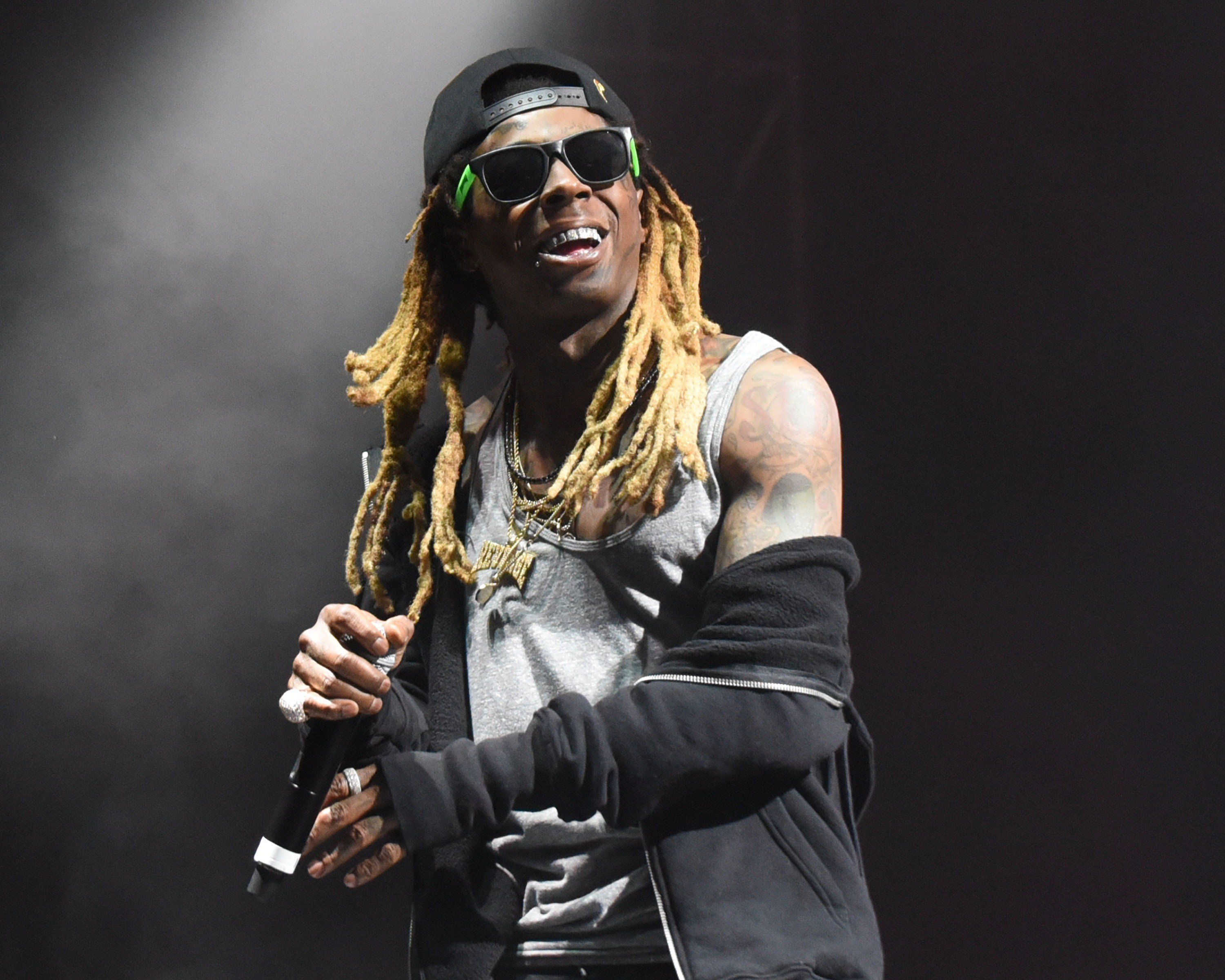 lil-wayne-cancels-panorama-performance-travel-issues