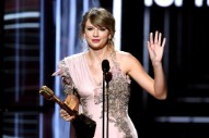 Taylor Swift Claps Back at 'Deeply Sexist' Joke in Netflix Show <i>Ginny & Georgia</i>