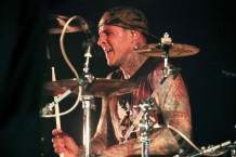 blink-182-vegas-shows-postponed-travis-barker-hospitalized-1529511290-640x427-1532442186