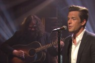 Watch The Killer&#8217;s Brandon Flowers Perform an Acoustic Version of &#8220;When You Were Young&#8221; on <i>Seth Meyers</i>