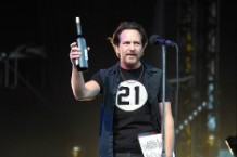 pearl jam wine red eddie vedder