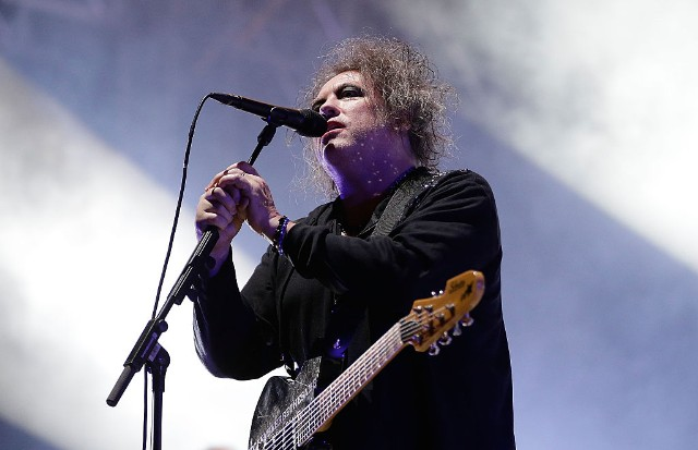the cure hyde park 40th anniversary concert boys dont cry video