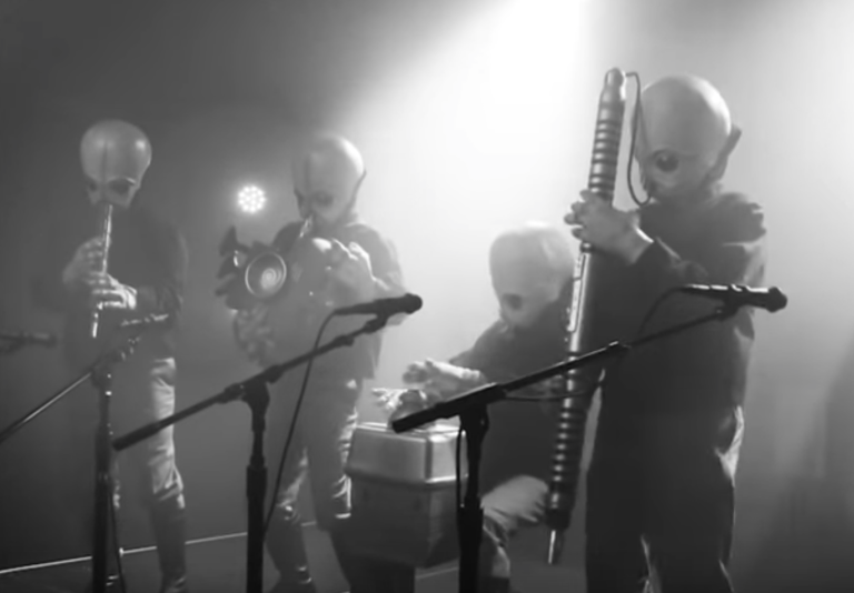 conan-obrien-cantina-band-star-wars-mockumentary-watch
