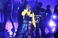 "Travis Scott Performs ""Stop Trying To Be God"" at 2018 VMAs"