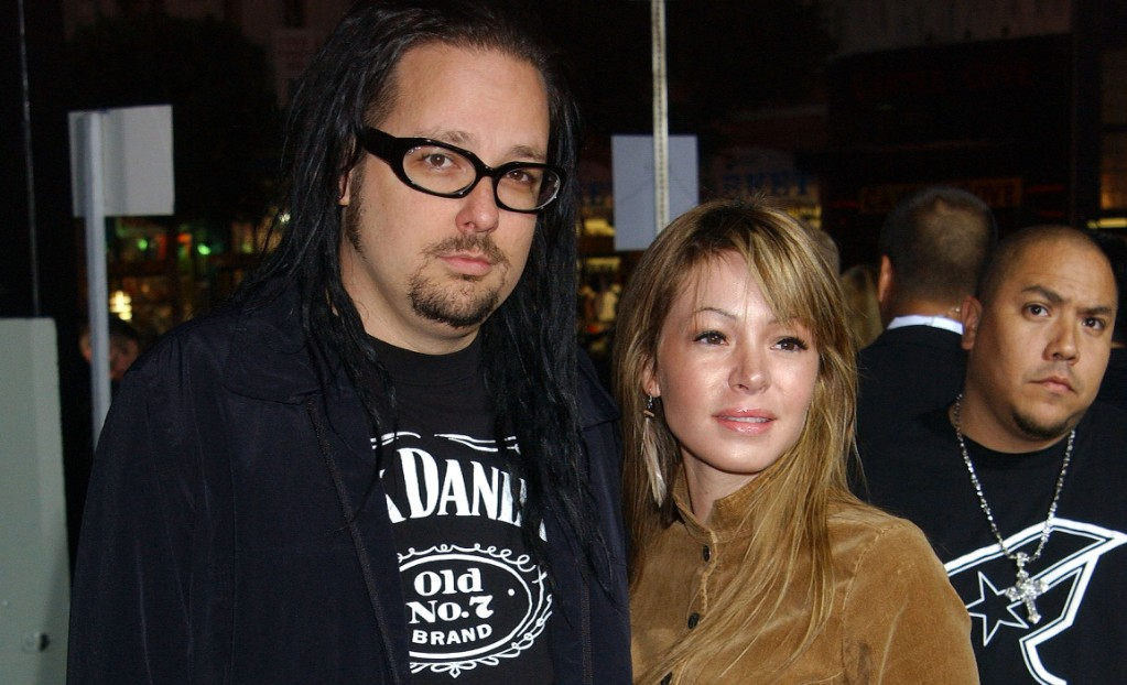 Deven Davis, Wife of Korn Frontman Jonathan Davis, Dead at ...