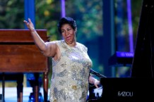 Aretha Franklin Funeral Stevie Wonder Chaka Khan Faith Hill