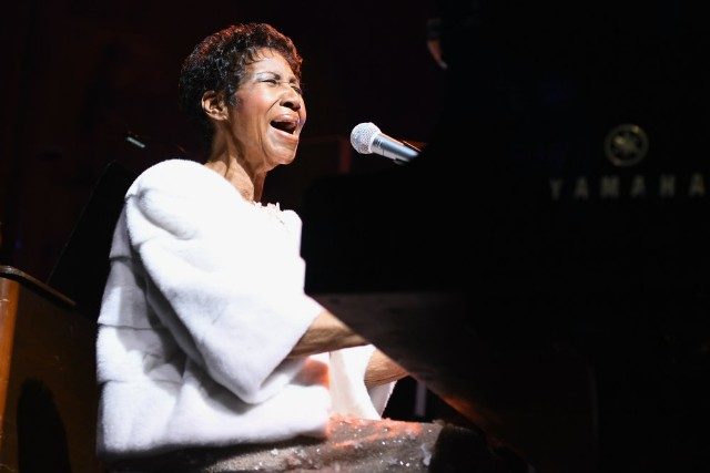 Aretha Franklin Dead at 76: John Legend and More Stars Pay Tribute