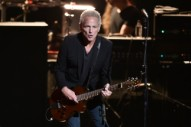 Lindsey Buckingham Announces <i>Solo Anthology</i>, Fall Tour Dates