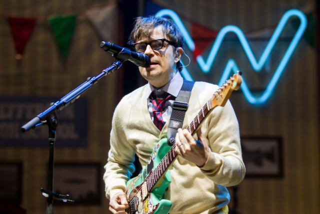 weezer-blink-182-all-the-small-things-cover-riot-fest
