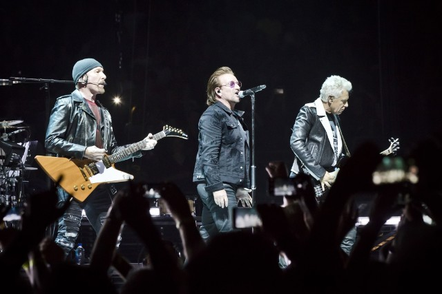 u2-concert-cancelled-bono-suffers-complete-loss-of-voice