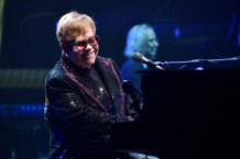 elton-john-dedicates-song-to-mac-miller-at-farewell-tour-kickoff